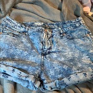 Pants - Aztec shorts